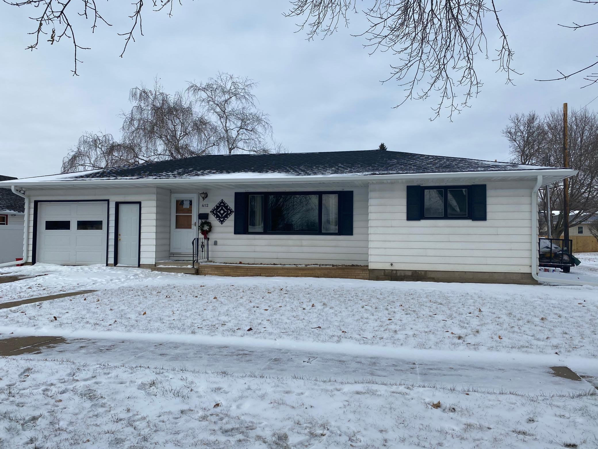 412 W Jewell Avenue, Lake City, MN 55041