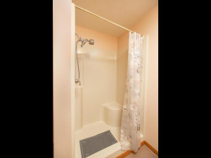 9305 80th Ave SE Chatfield MN-054-055-Bathroom-MLS_Size