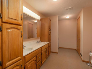 9305 80th Ave SE Chatfield MN-053-047-Bathroom-MLS_Size