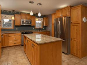 9305 80th Ave SE Chatfield MN-033-037-Kitchen-MLS_Size