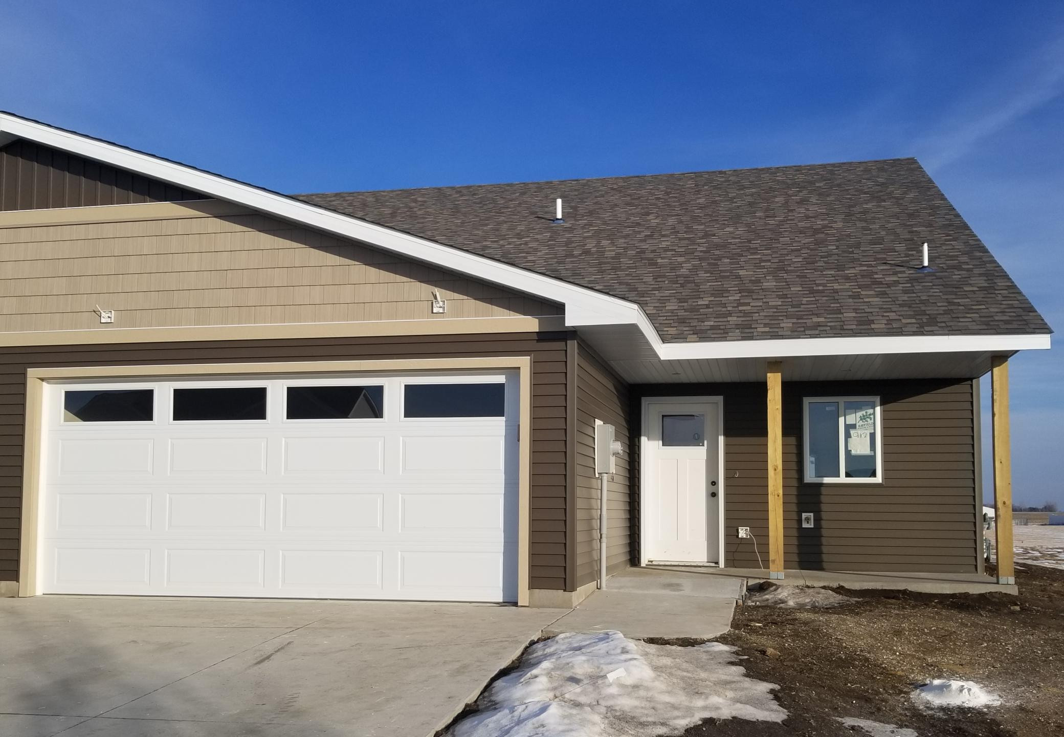 919 3rd Avenue SE, Hayfield, MN 55940