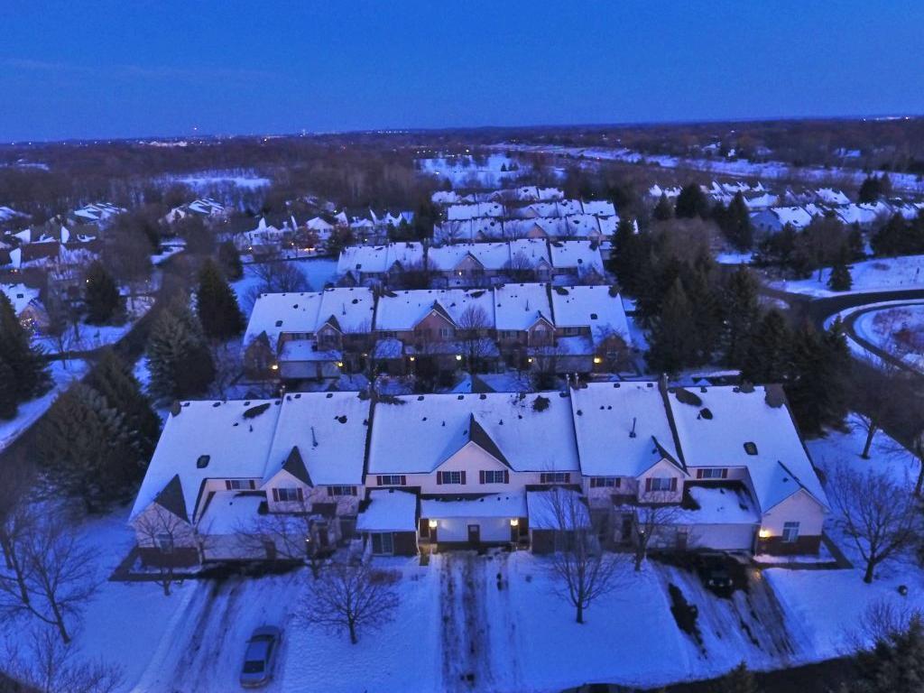 17973 Cobblestone Way, Eden Prairie, MN 55347
