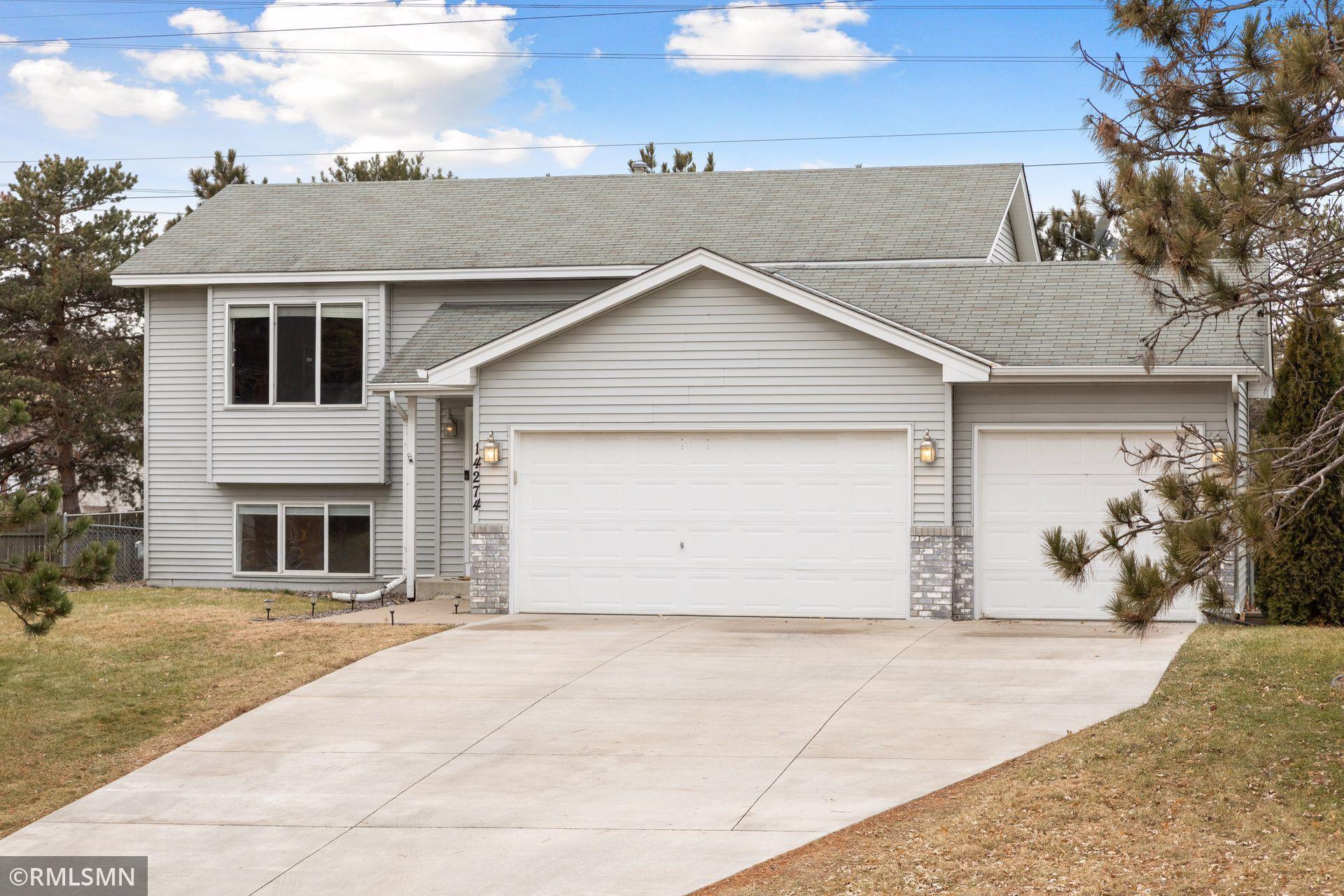 14274 Flamingo Street NW, Andover, MN 55304