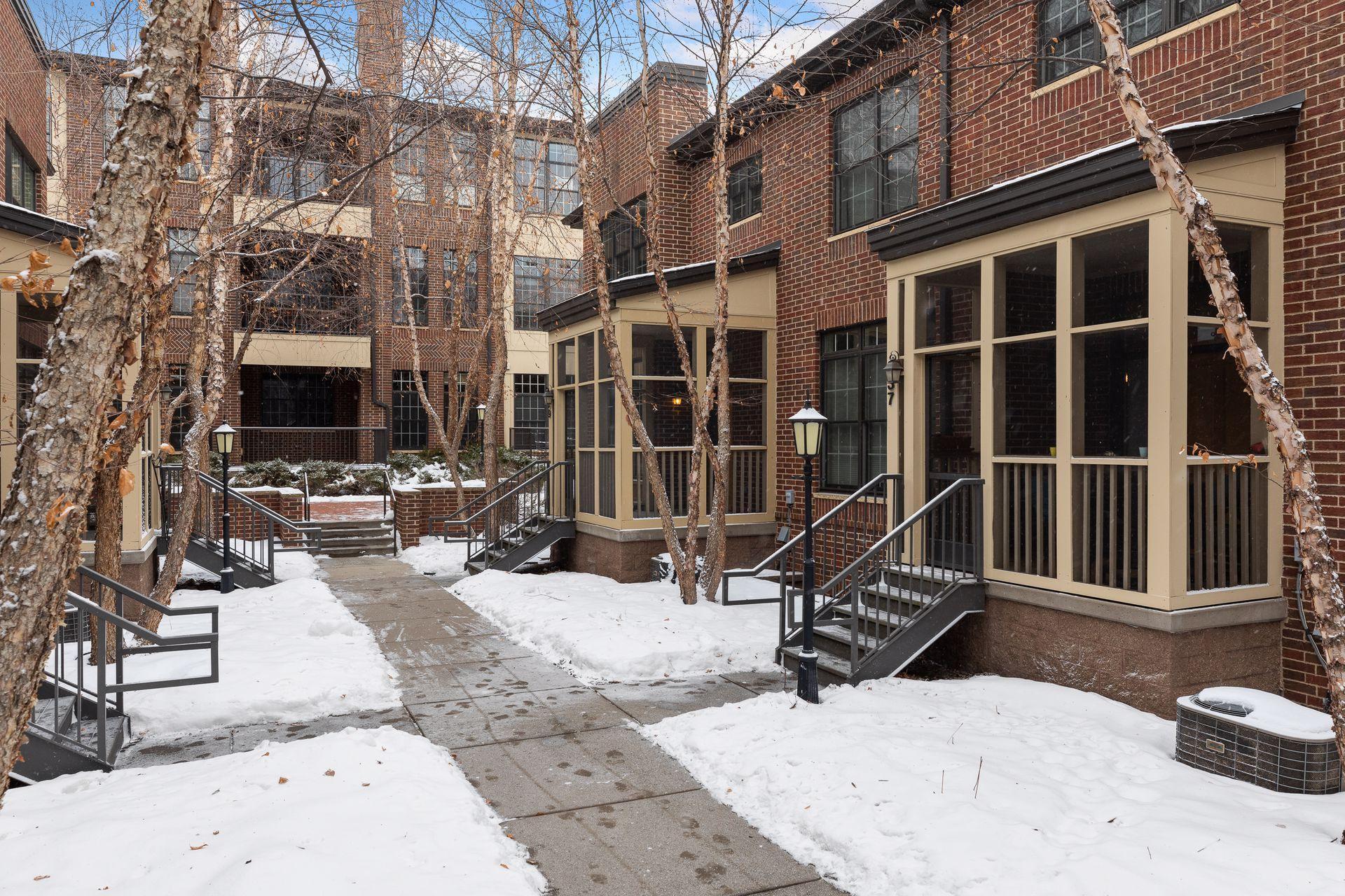 839 River Mews Court, Minneapolis, MN 55414