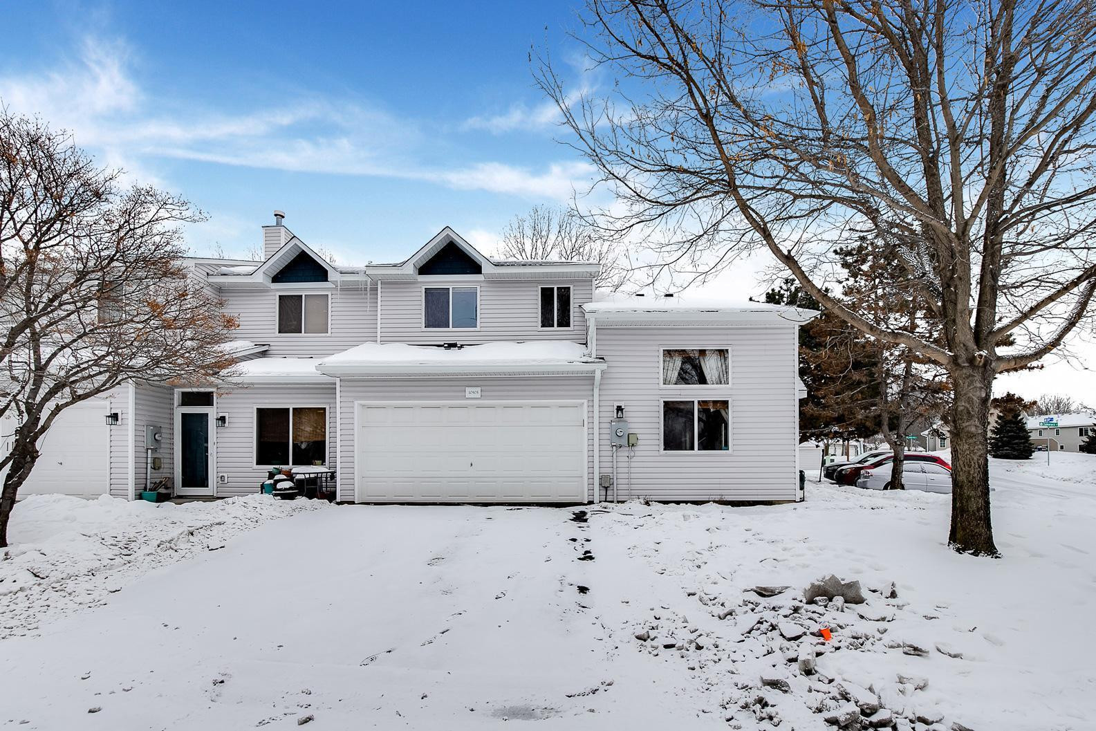 Welcome to 10905 Unity Street NW in Coon Rapids!