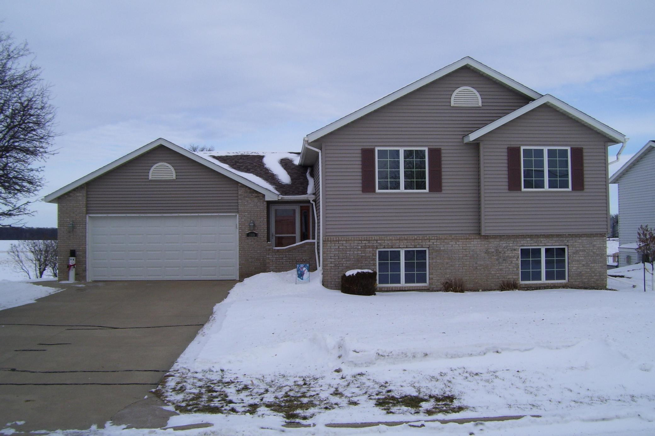 109 W Fairview Street, Spring Valley, MN 55975