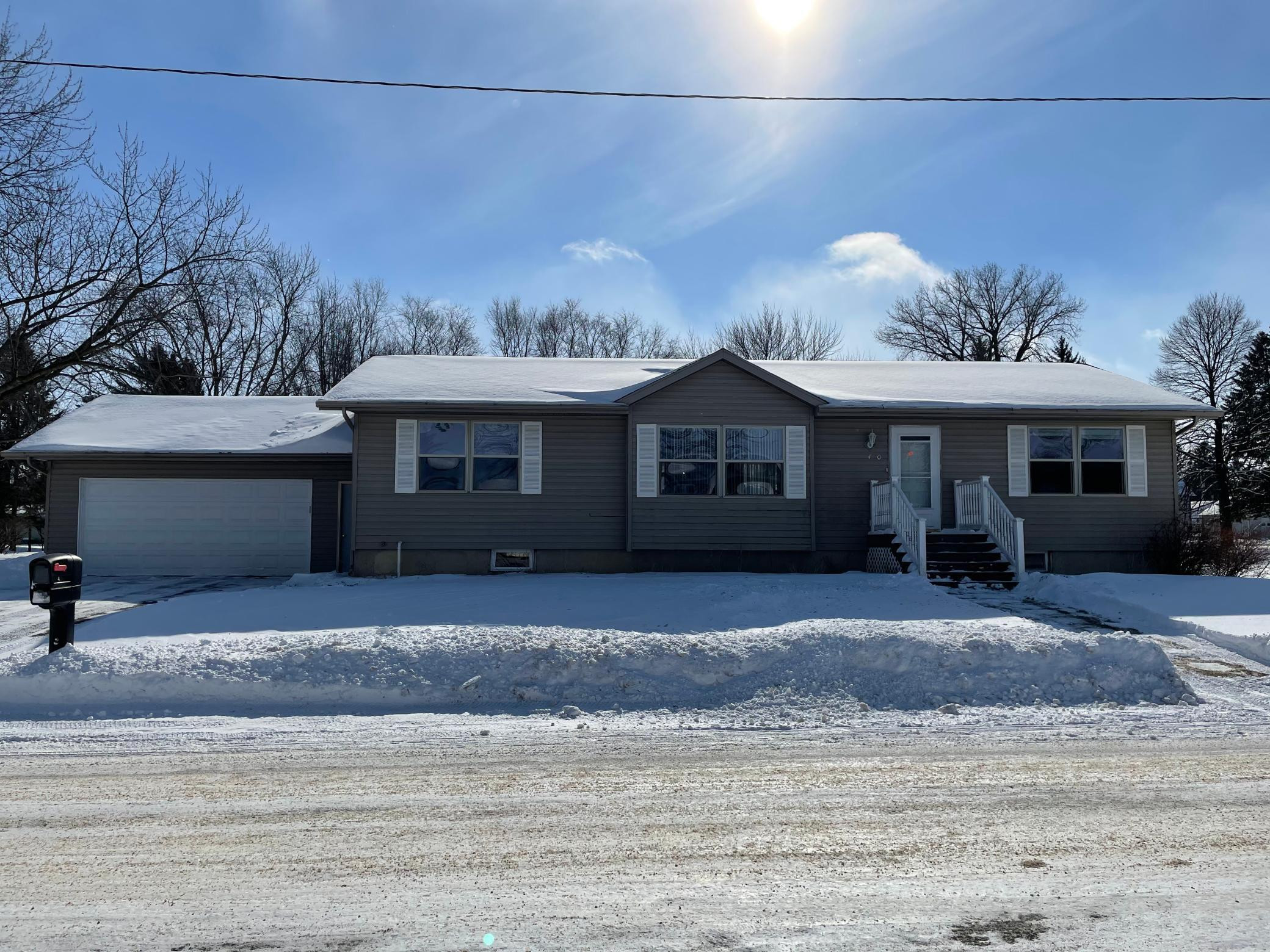 400 3rd Lane NE, Grand Meadow, MN 55936