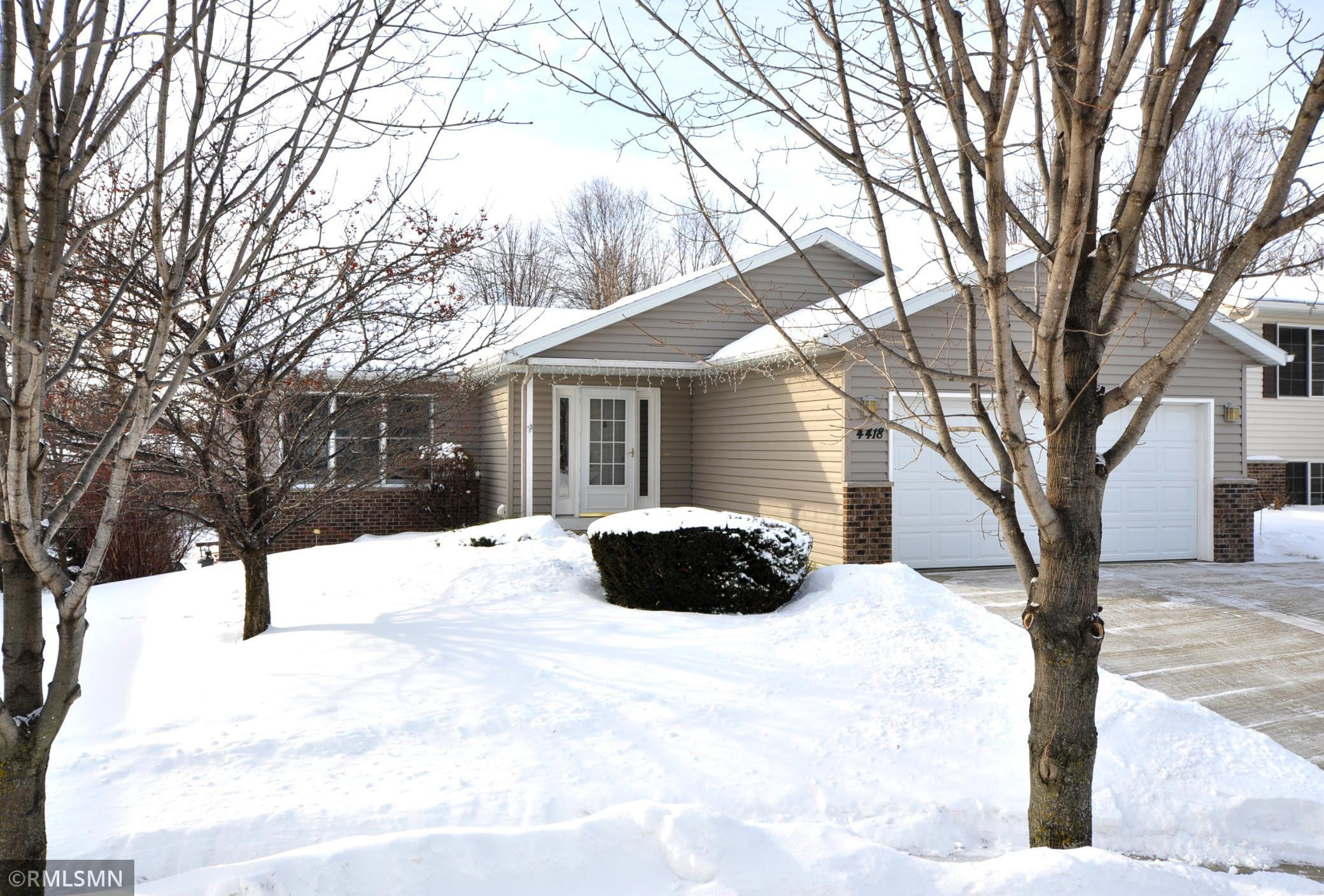 4418 Manor Drive NW, Rochester, MN 55901