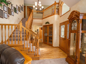 The 2-story vaulted entryway is your first clue to the excellent quality materials and workmanship in this home.
