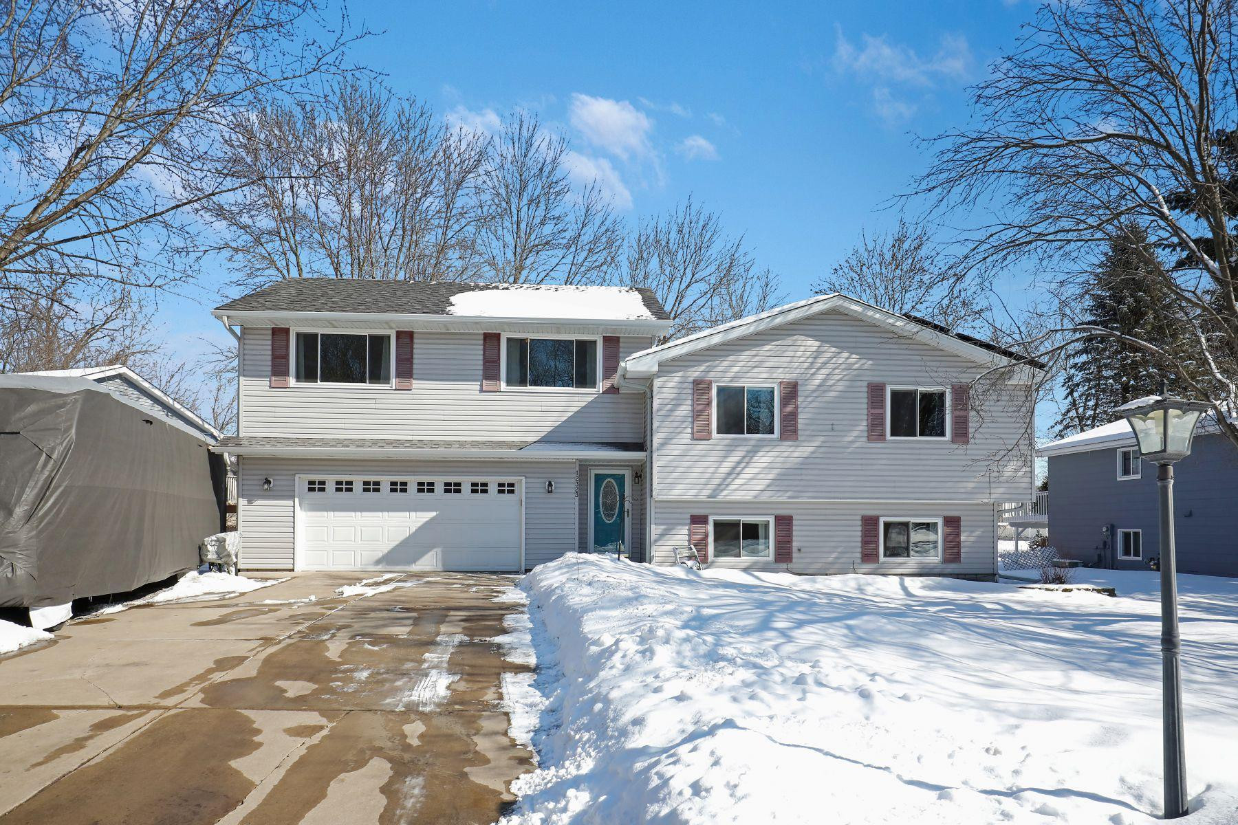 Welcome to 12323 Evergreen Street! On a cul-de-sac street. Has a new roof with new solar panels. Low-maintenance exterior. Concrete driveway with RV/boat parking. New windows in 2017. Huge fenced back yard. Wow.