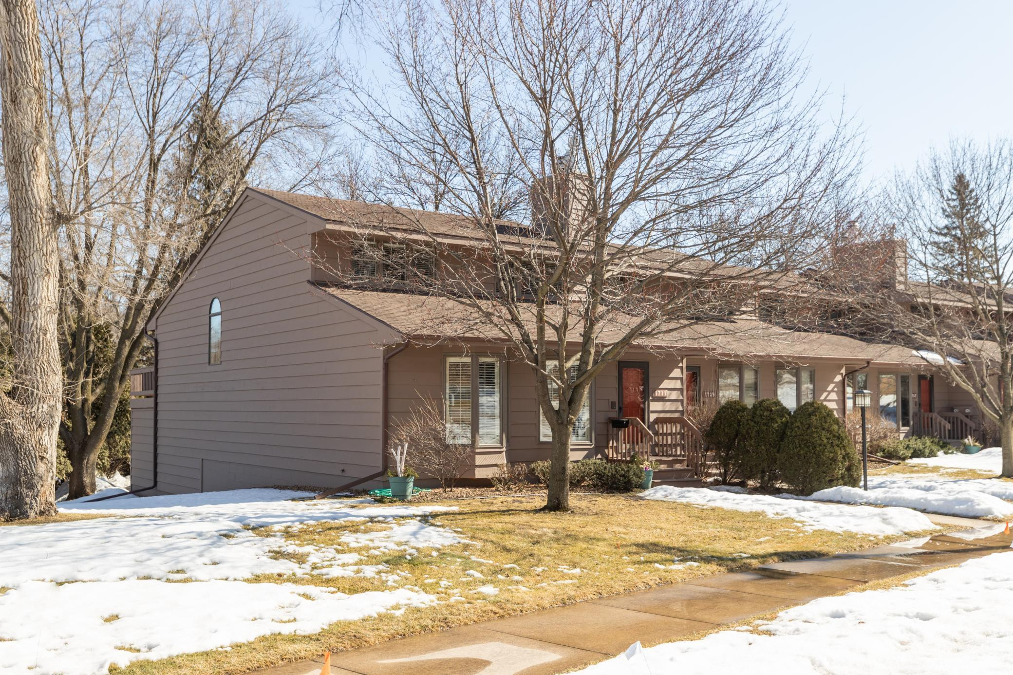 1711 Walden Lane SW, Rochester, MN 55902