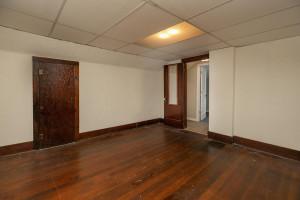 Upstairs bedroom, large closet, hardwood floor