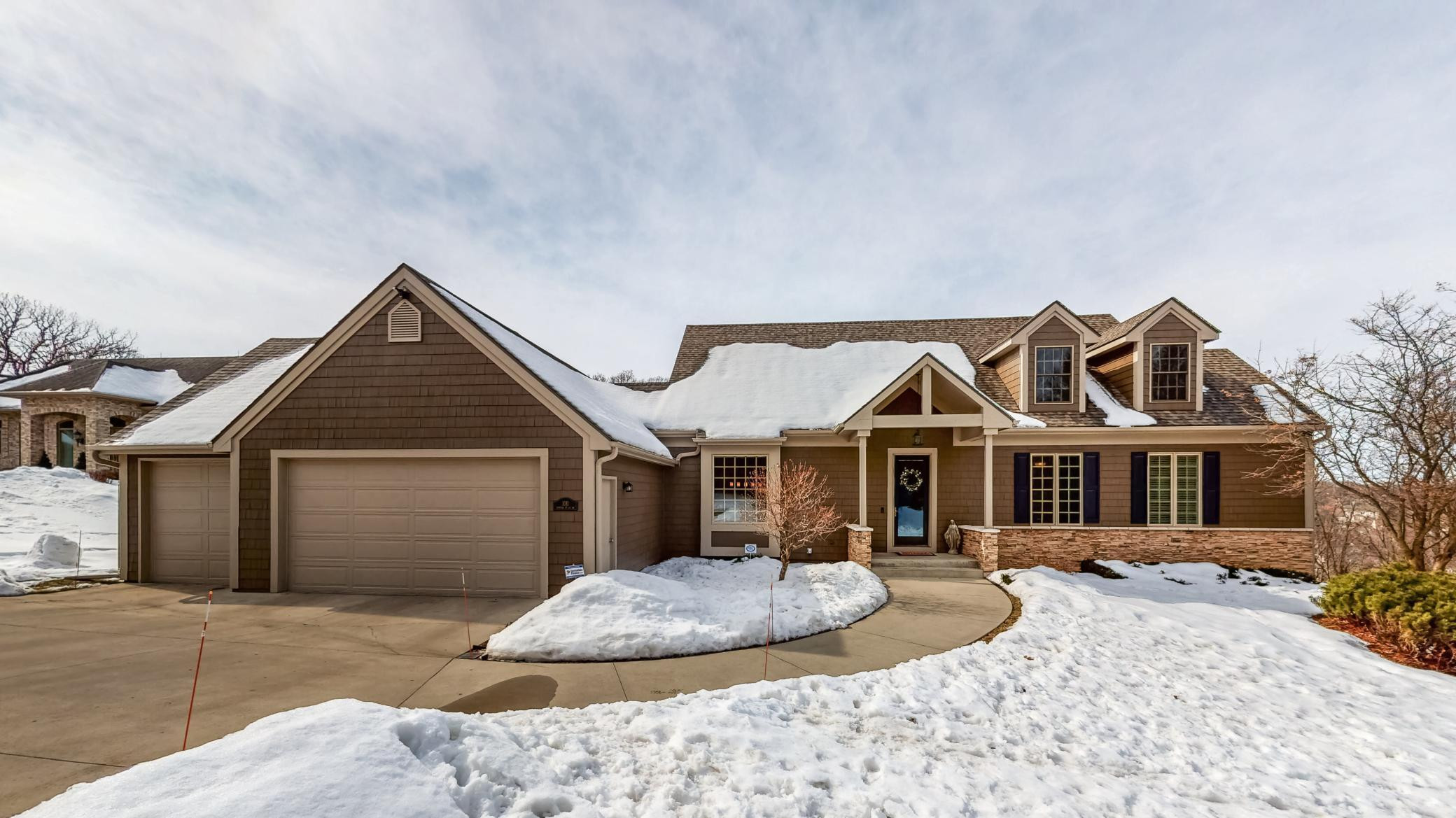 1011 Hunters Point Lane SW, Rochester, MN 55902