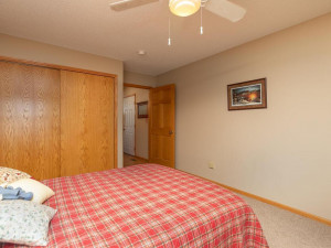 1802 16th Ave SW Austin MN-028-027-Bedroom 3-MLS_Size