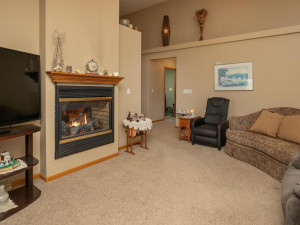 1802 16th Ave SW Austin MN-019-014-Living Room-MLS_Size
