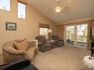 1802 16th Ave SW Austin MN-017-013-Living Room-MLS_Size