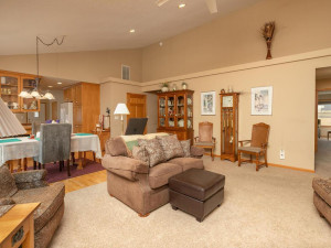 1802 16th Ave SW Austin MN-016-023-Living Room-MLS_Size