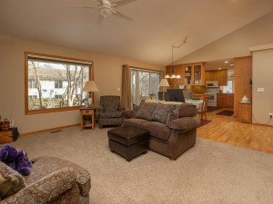 1802 16th Ave SW Austin MN-015-015-Living Room-MLS_Size