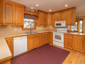 1802 16th Ave SW Austin MN-007-006-Kitchen-MLS_Size