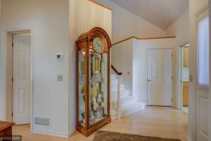 Spacious entry foyer. Nice white 6 panel doors.