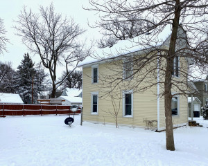 404 5th Place NW, Austin, MN 55912