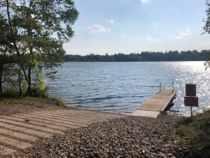Boat landing at Nisswa lake park is a minute from your home