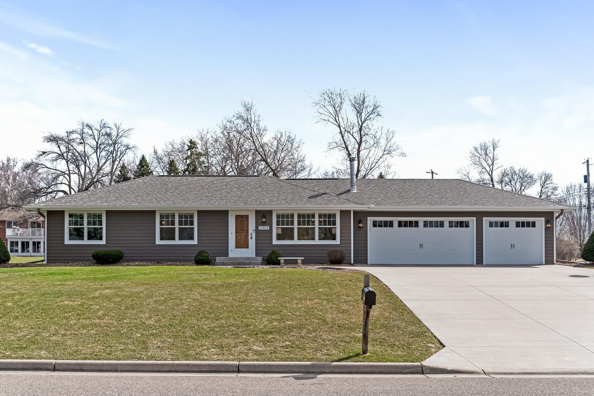 12905 27th Place N, Plymouth, MN 55441