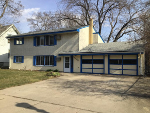 Welcome to 2396 Benson Avenue in St. Paul. Just steps from West 7th... near bus line and ample fun places to visit nearby!