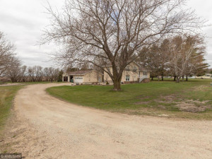 26379 540th Ave Austin MN 55912 USA-035-033-Front-MLS_Size