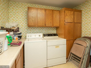 26379 540th Ave Austin MN 55912 USA-022-018-Laundry-MLS_Size