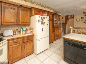 26379 540th Ave Austin MN 55912 USA-012-009-Kitchen-MLS_Size