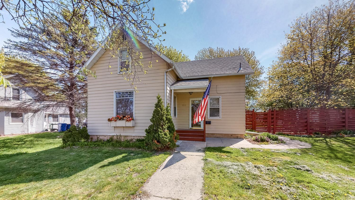 Home for sale 131 Red Wing Ave Kenyon MN 55946