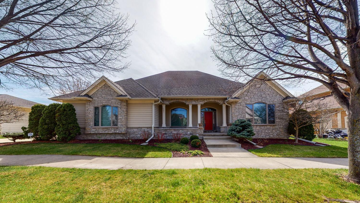 1211 Fox Hill Place SW, Rochester, MN 55902