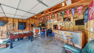 1060 Pine Grove Lane, Lake City, MN 55041