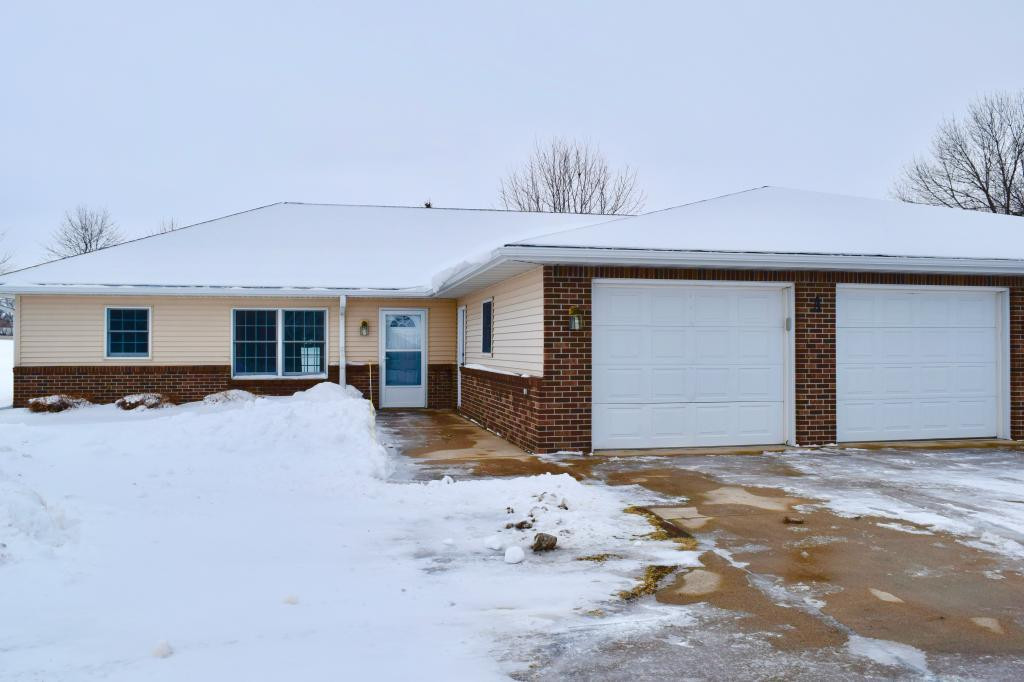 816 Southview Court W, Marshall, MN 56258