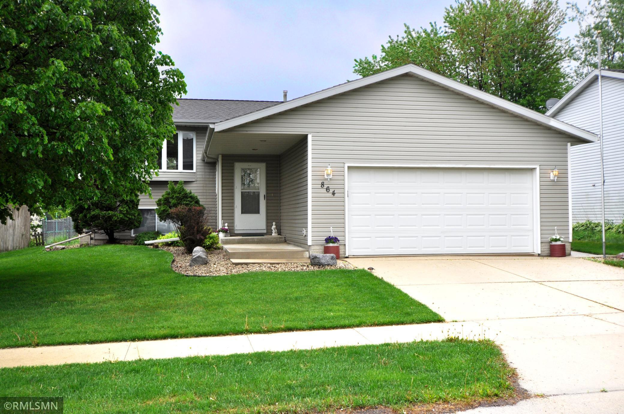864 48th Avenue NW, Rochester, MN 55901