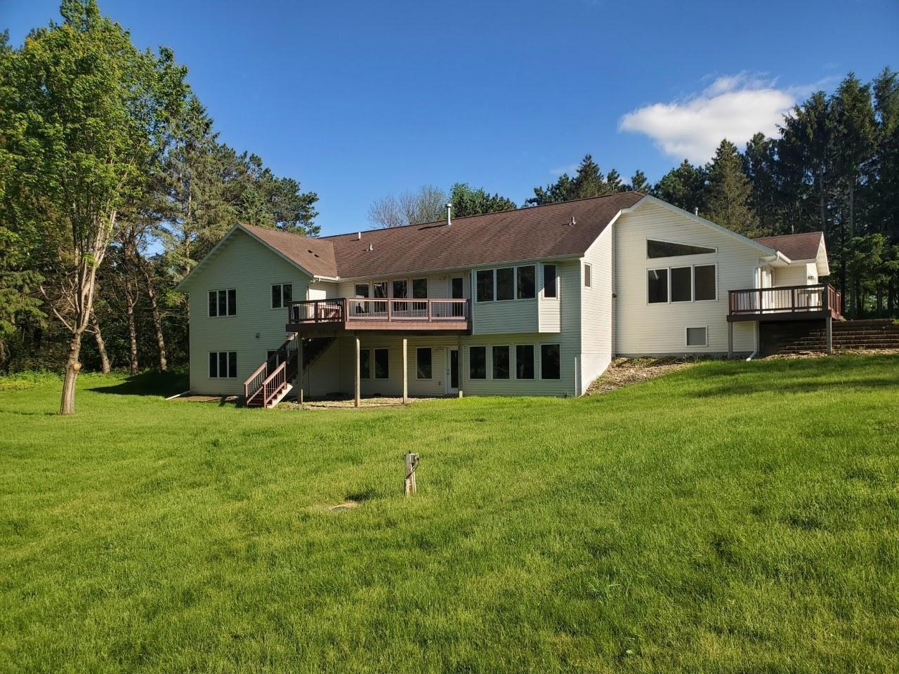 3801 Meadow Ridge Drive SW, Rochester, MN 55902