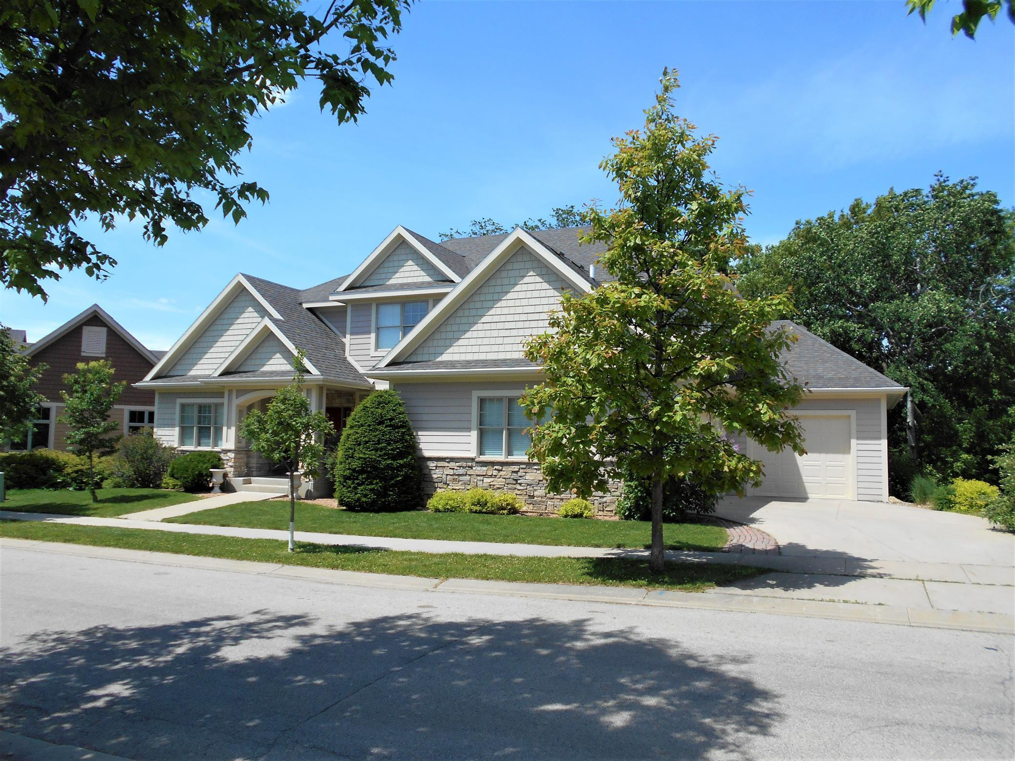 1091 Fox Hill Place SW, Rochester, MN 55902