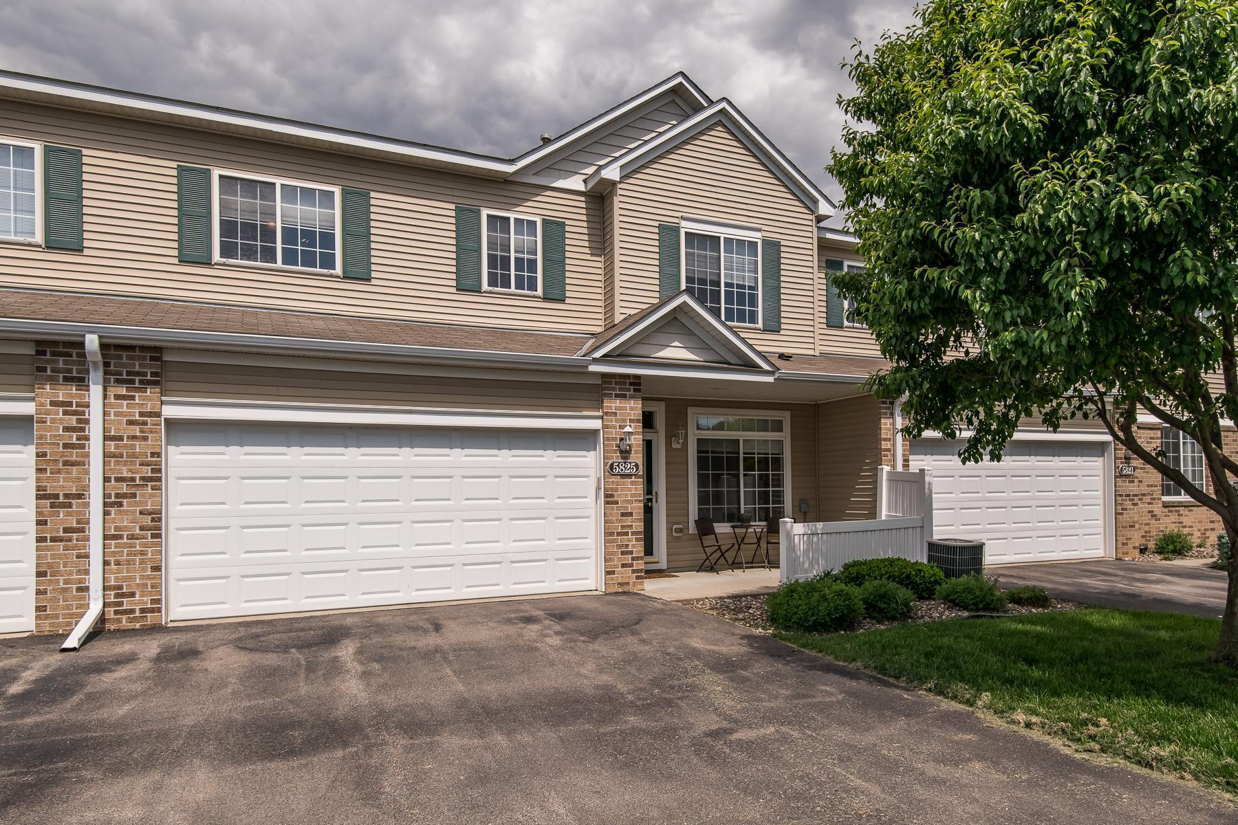 5825 Sandcherry Place NW, Rochester, MN 55901