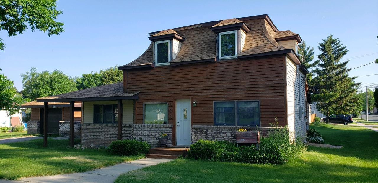 300 Arnold Street, West Concord, MN 55985