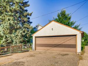 555 36 12 Avenue NE MN - MLS Sized - 028 - 32 Garage