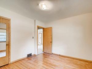 555 36 12 Avenue NE MN - MLS Sized - 017 - 20 Primary Bedroom