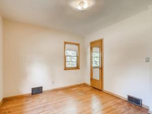 555 36 12 Avenue NE MN - MLS Sized - 016 - 19 Primary Bedroom