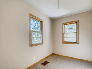 555 36 12 Avenue NE MN - MLS Sized - 014 - 17 Office