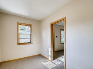 555 36 12 Avenue NE MN - MLS Sized - 013 - 16 Office