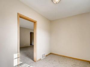 555 36 12 Avenue NE MN - MLS Sized - 012 - 15 Office