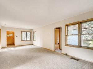 555 36 12 Avenue NE MN - MLS Sized - 007 - 10 Dining Room