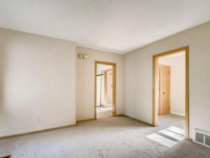 555 36 12 Avenue NE MN - MLS Sized - 006 - 09 Dining Room