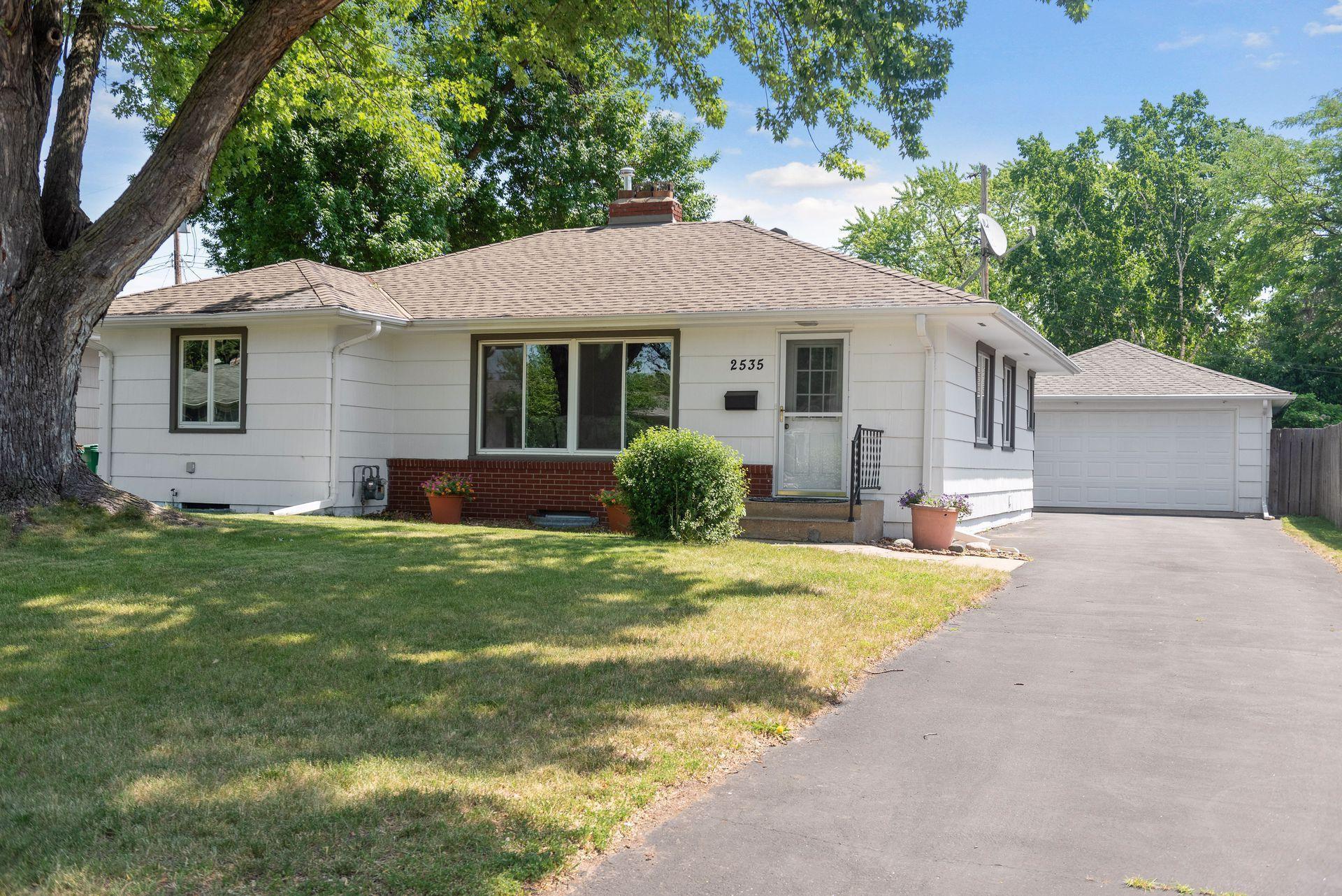 2535 Zinran Avenue S, MN 55426