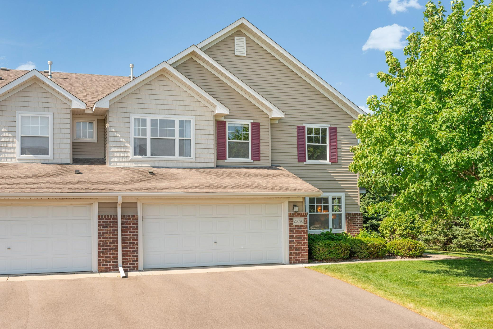 20390 Kensfield Trail, Lakeville, MN 55044